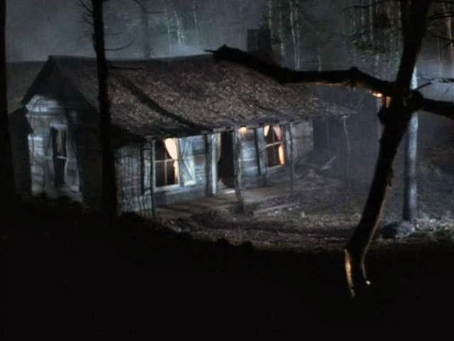 evil-dead-2_cabin